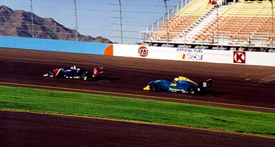 FF 2000 cars on track